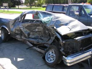 מכונית פגועה