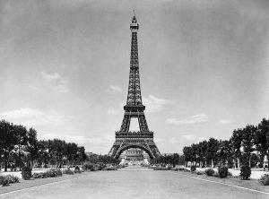 צילום שחול לבן של המגדל