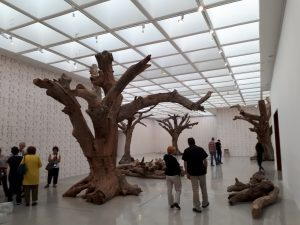 יצירה שלדי העצים
