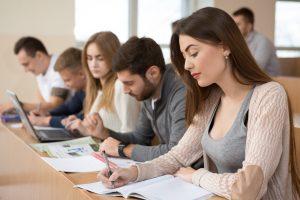 כיתת סטודנטים