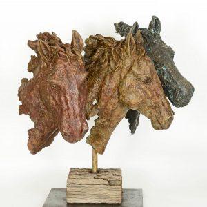 פסל ראשי סוסים
