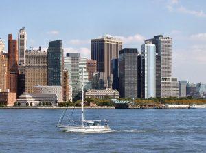 מבט על העיר מהנהר