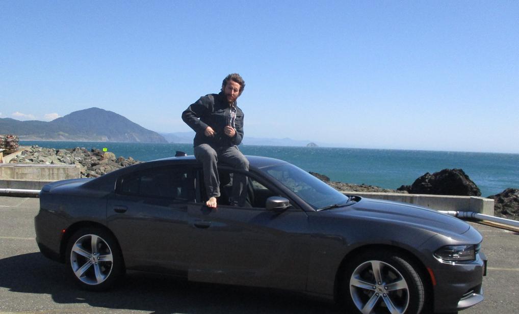 דניאל על הרכב