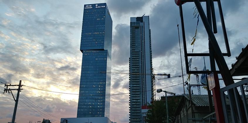 שני מגדלים