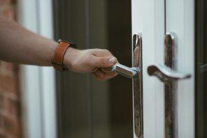 מנעול דלת