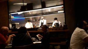 מבט למטבח המסעדה