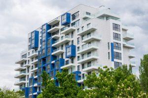בנין דירות מודרני