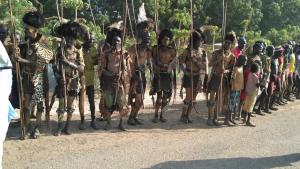 מקומיים בלבוש מסורתי
